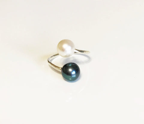 Ring Leia - black & white pearls (R156)