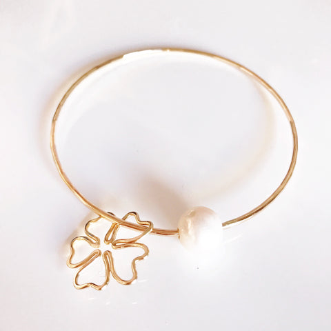 Cherry blossom bangle- white pearl (B300)