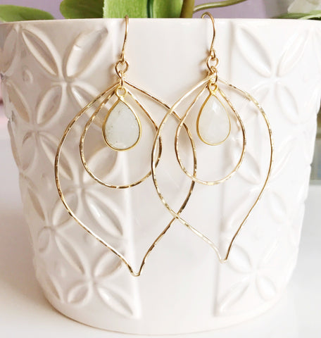 Earrings Chloe- moonstone ( E355)