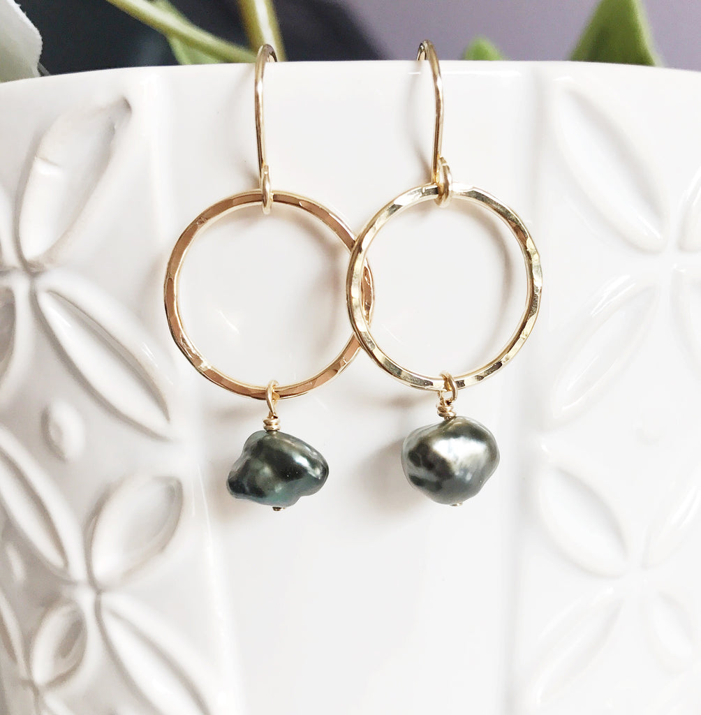 Earrings Doris - keshi tahitian pearl (E324)