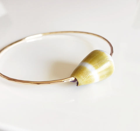 Bangle LEHUA - olive cone shell (B328)