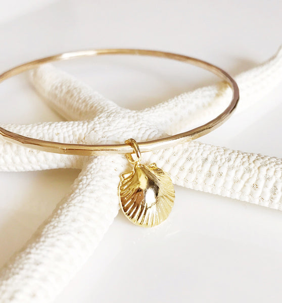 Bangle Emma - sea shell charm (B327)