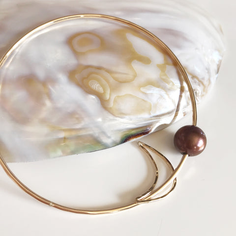 Crescent moon bangle- chocolate pearl (B348)