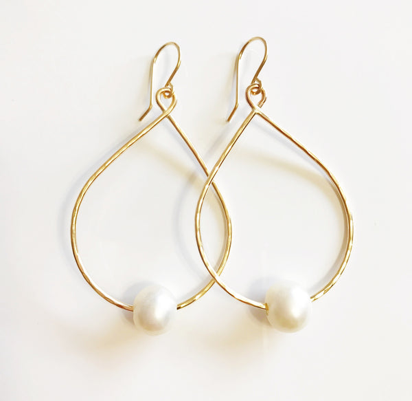 Earrings Molly - white pearls (E353)
