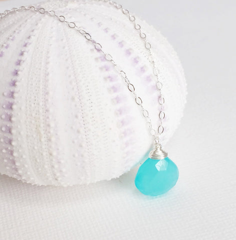 Necklace Kaipo - aqua chalcedony (N111)