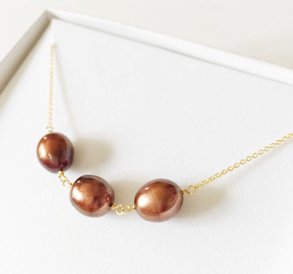 Necklace Maddi - chocolate pearls (N168)