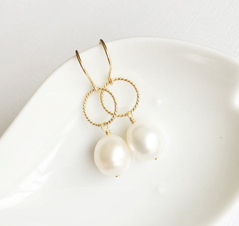 Earrings Sophia - white pearls  (E234)