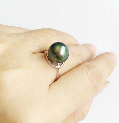Tahitian pearl tear drop ring (R150)