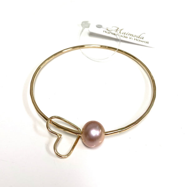Bangle Lani - pink pearl & heart charm (B255)