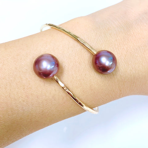 Cuff LEIA - purple Edison pearls