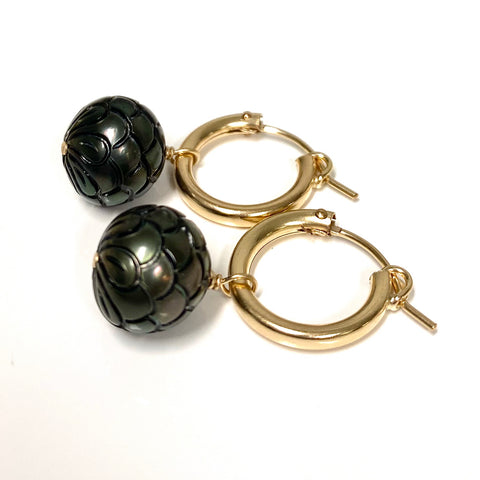 Earrings NOELA (E581) - carved Tahitian pearls