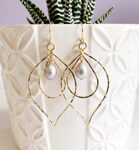 Earrings KINA- silver pearls (E486)