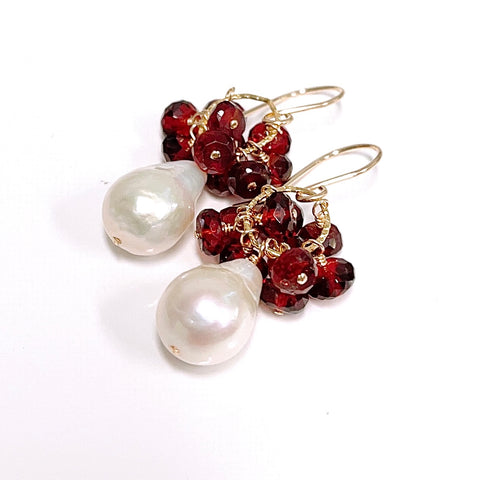 Earrings KIRA - garnet and Edison pearl (E611)