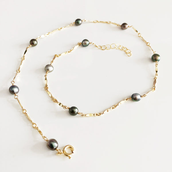 Necklace NORI - Keshi tahitian pearls (N282)