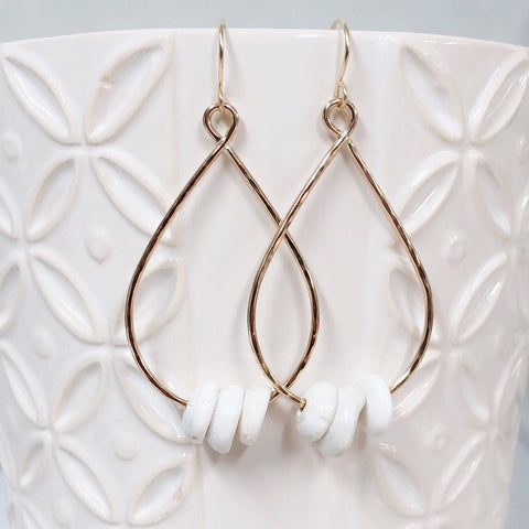 Earrings MOLLY - puka shells (E567)