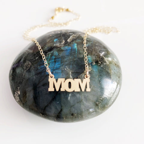 MOM pendant necklace (N277)