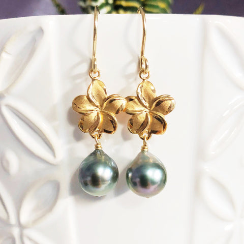 Plumeria dangle earrings - tahitian pearls (E515)