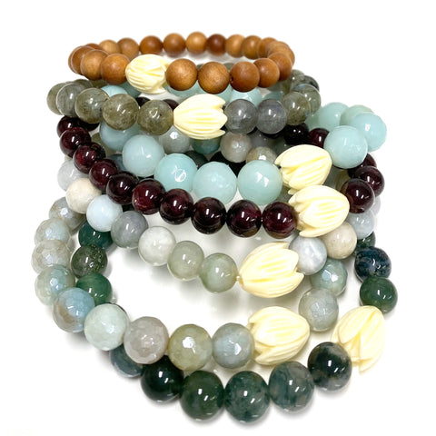 Mala beads stretch bracelet - Pikake