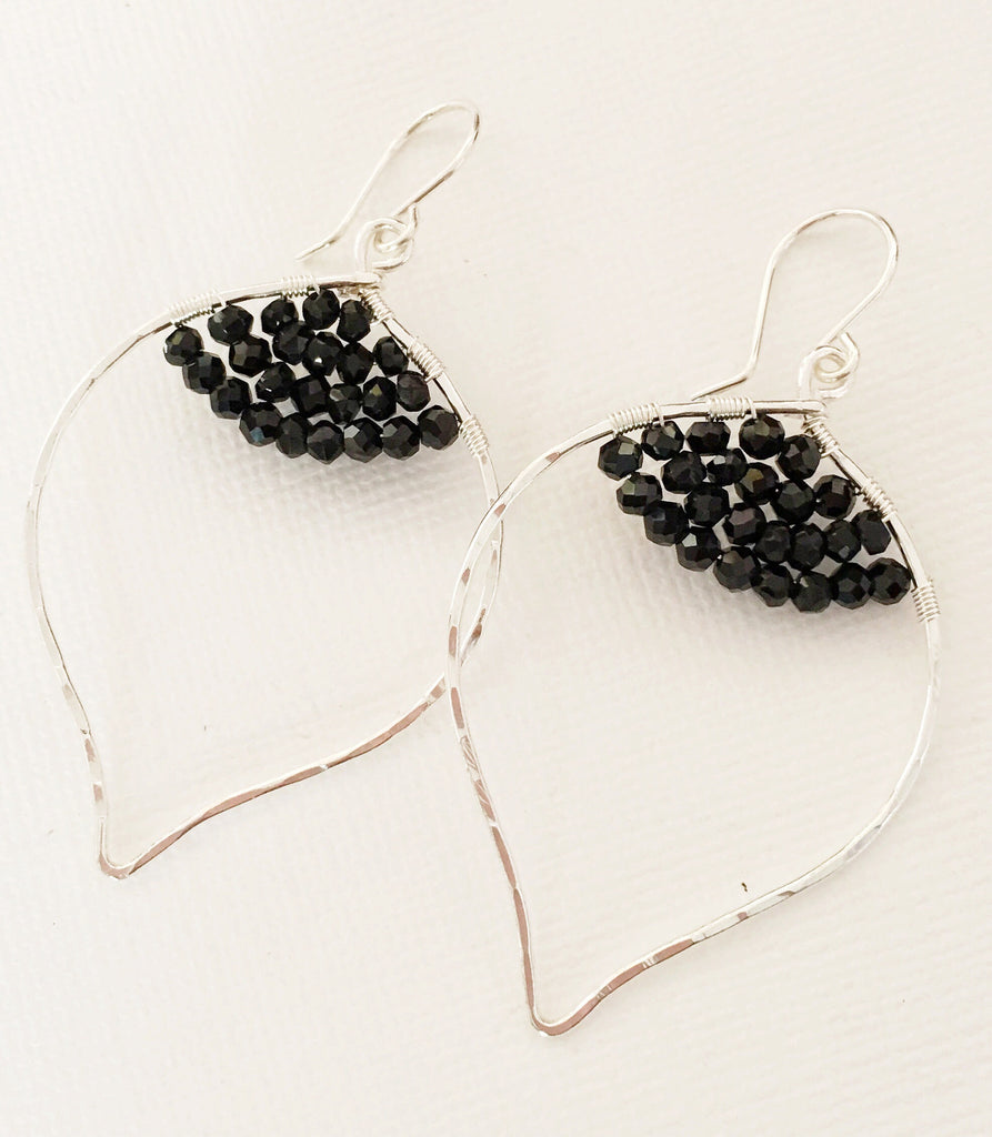 Earrings Wren- black spinel (E314)