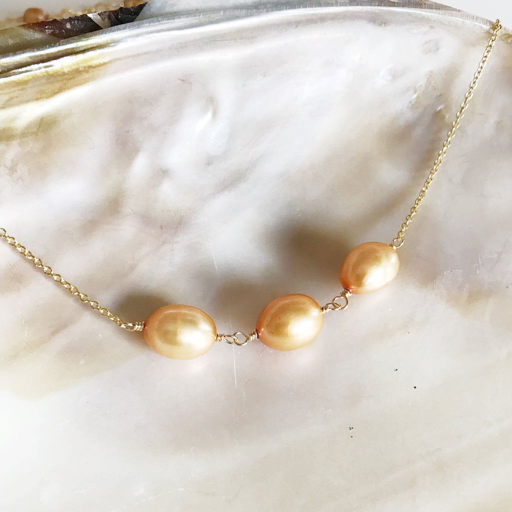 Necklace Maddi - gold  pearls (N155)