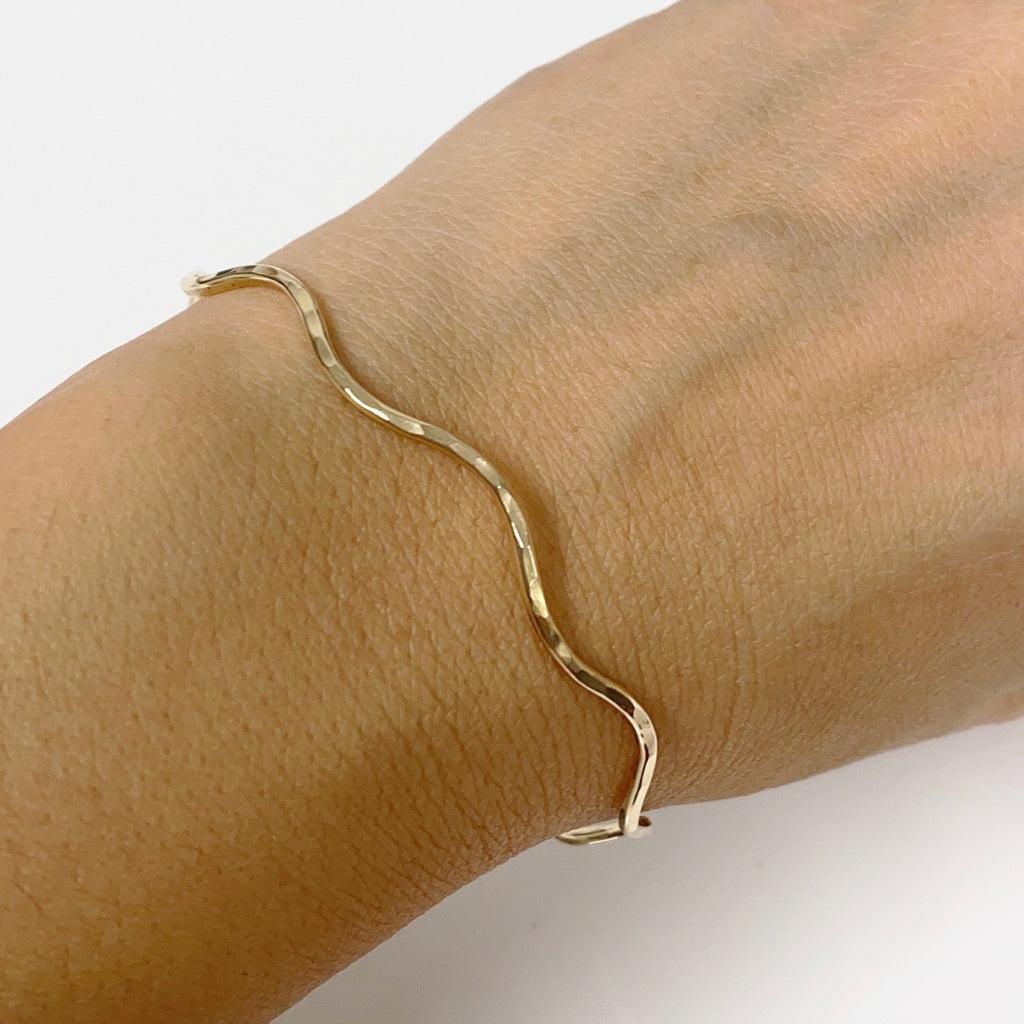Bangle NOLA - Medium wave bangle (B439)