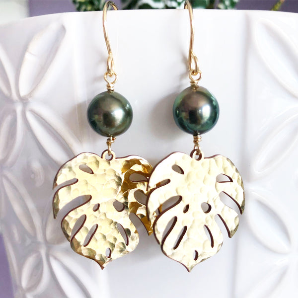 Monstera & tahitian pearl earrings (E495)
