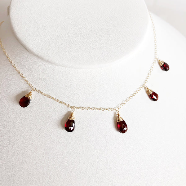 Necklace IVANNA - garnet (N225)
