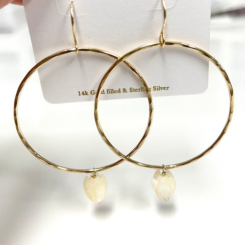 Earrings LULU -  MOP Pikake ( E609)