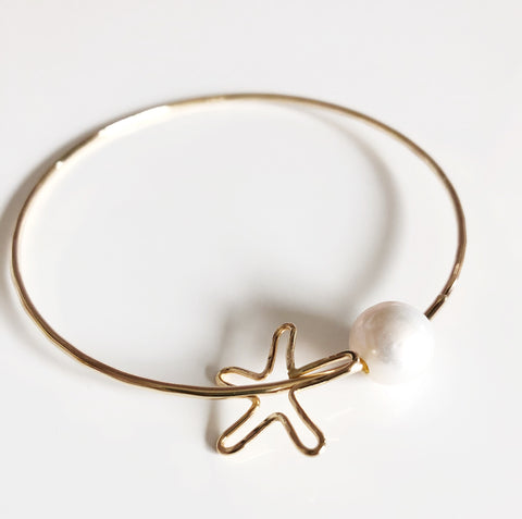 Starfish charm bangle - Fresh water pearl (B347)