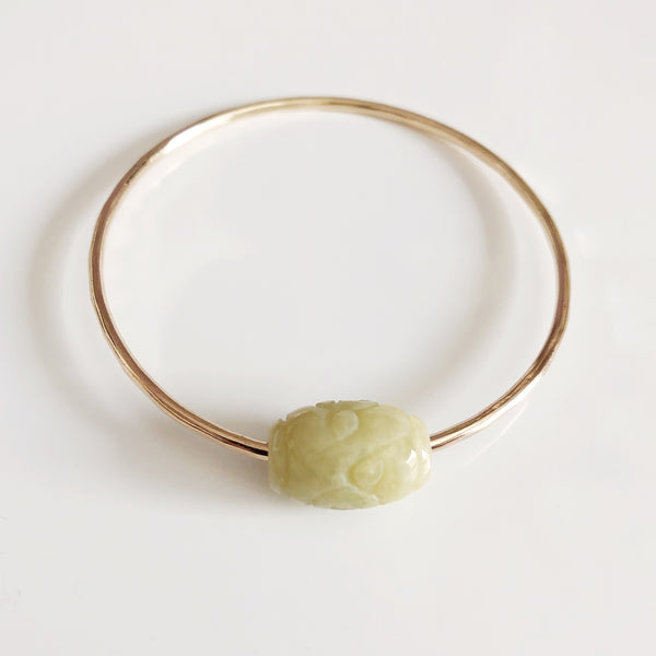 Bangle KEIKE - light green carved jade (B417)
