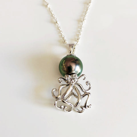 Tako pendant necklace
