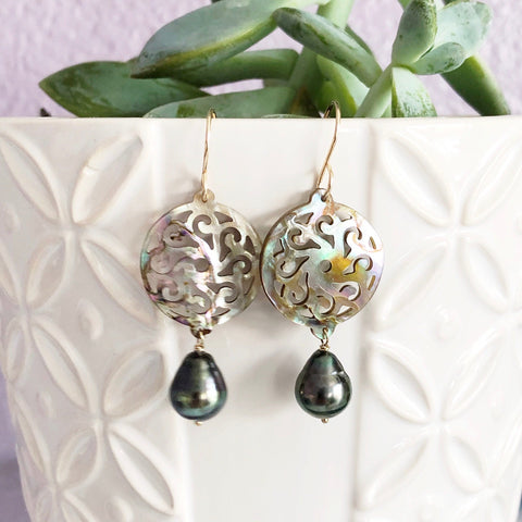 Mother of pearl & tahitian pearl dangle