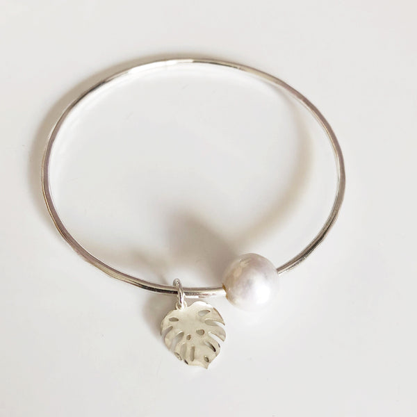 Monstera bangle - white pearl (B410)
