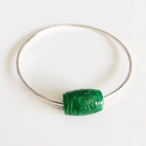 Bangle KEIKE - green carved jade bead (B403)