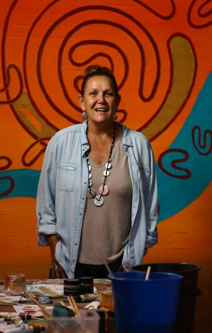 Aboriginal artist finds commercial success with artistic flair