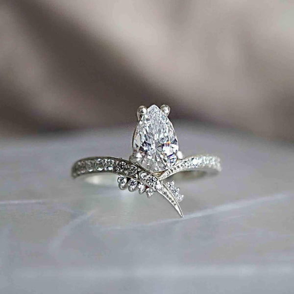 14KT Manhattan Diamond Pear Ring - Melroso