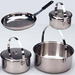 ENSEMBLE DE CUISINE FAMILIAL<br>ACIER INOXYDABLE|FAMILY COOKSET<br>STAINLESS STEEL