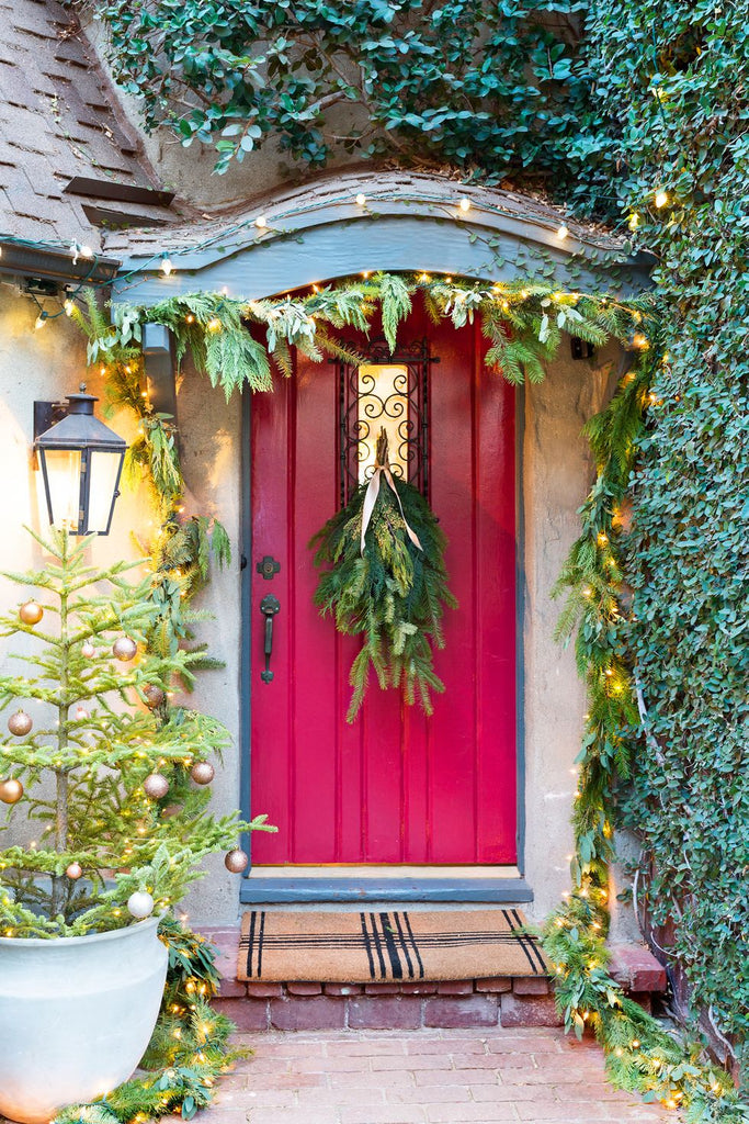Cute-Outdoor-Christmas-Holiday-Decoration-On-Red-Front-Door