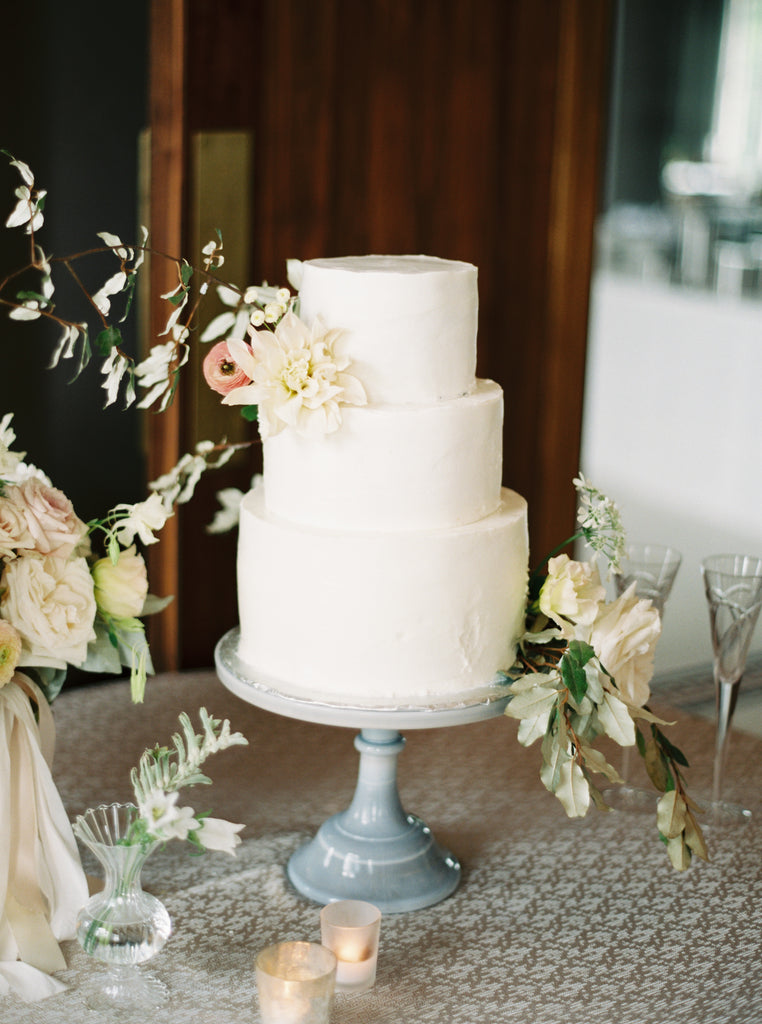 luxury garden flowers by Atlanta florist colonial house of flowers peonies garden roses olive branches cake