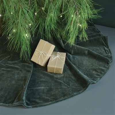 Velvet Tree Skirt, Classic Red and Pewter Dark Gray Colonial House of Flowers Atlanta Plants Vases Containers Florist Weddings Events Georgia Southern South
