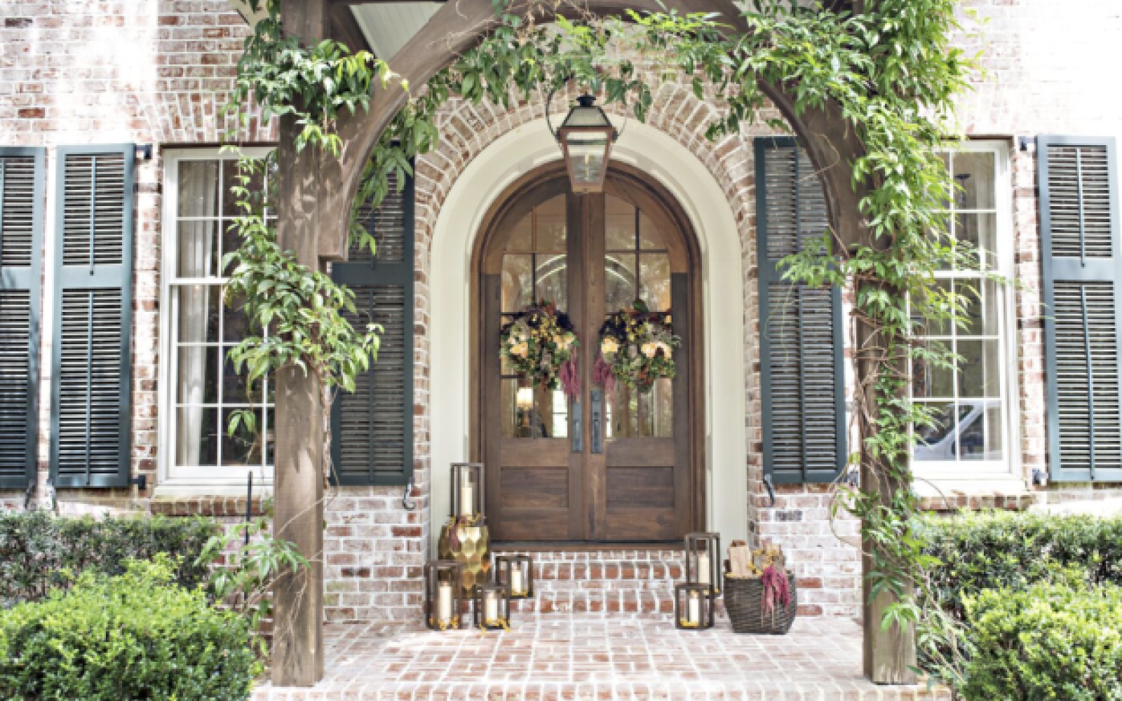 Custom Front Door Colonial House of Flowers Fresh Flower Plant
