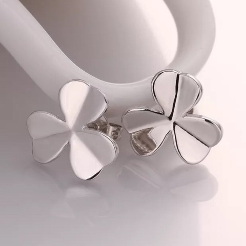 18k Earrings: Clover - White Gold
