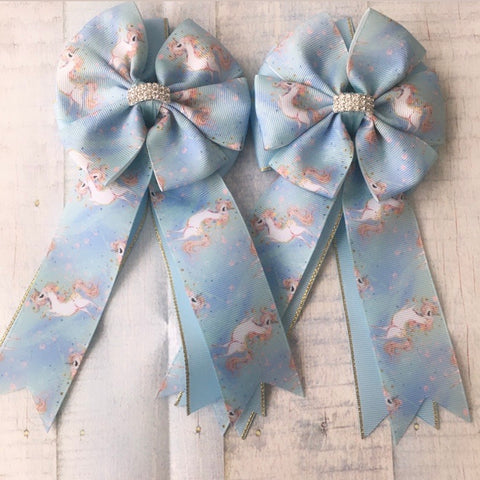 Show Bows: Unicorns ~ Dancing/Light Blue
