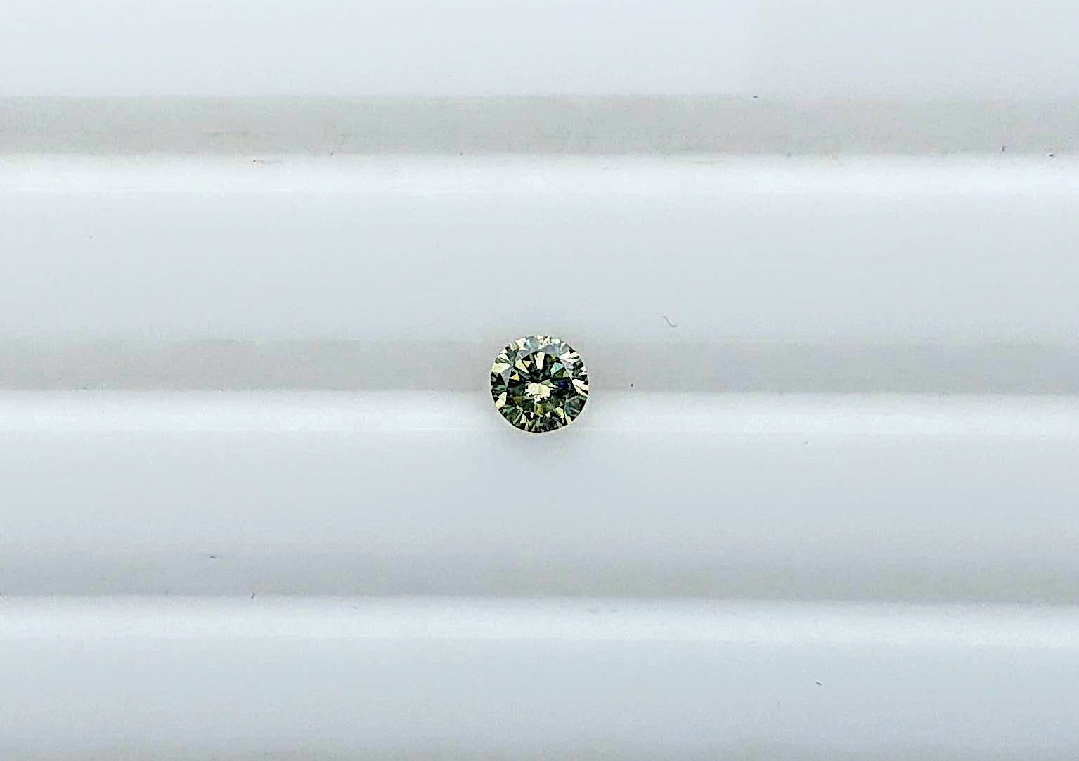 Chameleon Diamond, Round 0.16ct GIA Certified - Far East Gems & Jewellery
