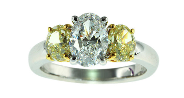Diamond ring with 1.50ct D colored diamond & 2 pcs Fancy Yellow Diamonds - Far East Gems & Jewellery