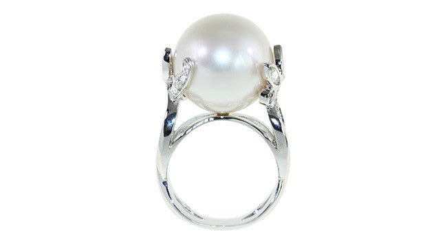 15mm south Sea Pearl ring