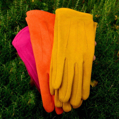 Faux Suede Gloves with Pleats-Gloves-Tegen Accessories-Tegen Accessories