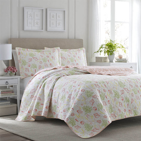Harmony Coast Rose Quilt Set