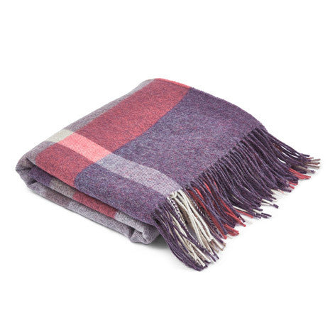 Lothian Check Grape Throw
