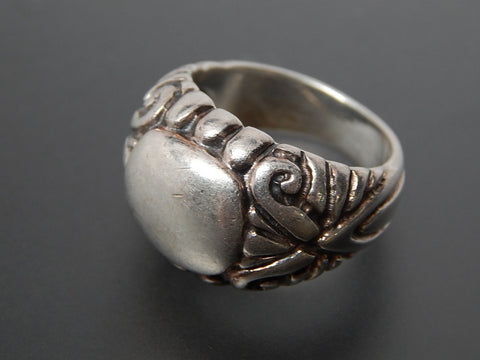 Vintage Repousse Swirls Wide Domed Sterling Silver Ring - Size 8